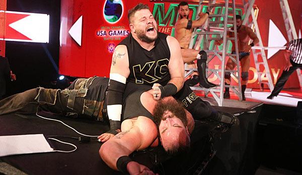 Kevin Owens und Braun Strowman nehmen für Raw am Money in the Bank-Ladder-Match teil.